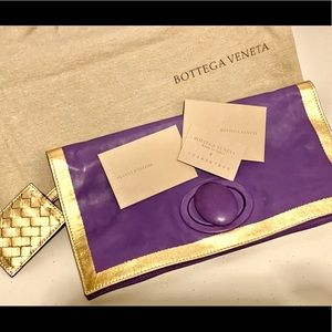 99% new Bottega Veneta turnlock clutch